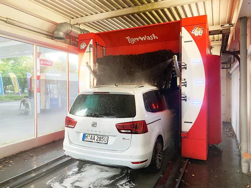 WASCHANLAGEN in München Tankstelle